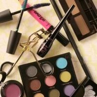 Can Designers and Photographers Take Some Tips from Make-Up Artists